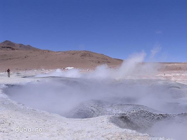 vulcanii noroiosi de la Sol de Manana, 4280m