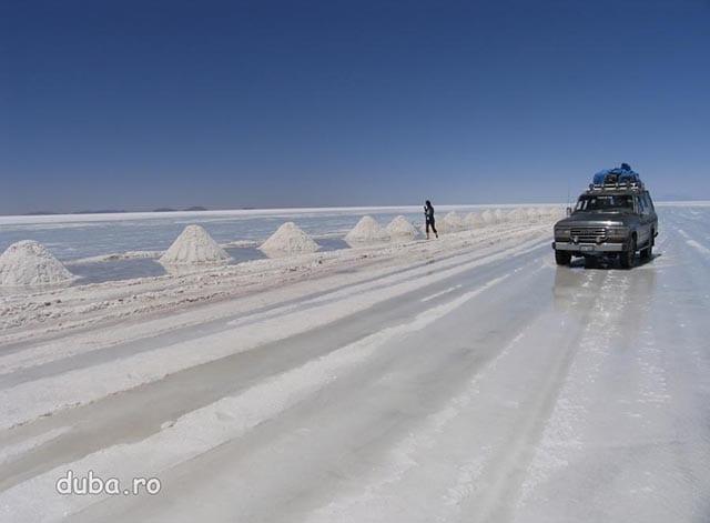 exploatare de sare in Salar de Uyuni